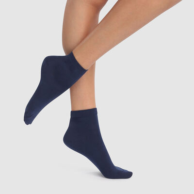2 pack women's ankle socks in navy blue Scottish yarn, , DIM
