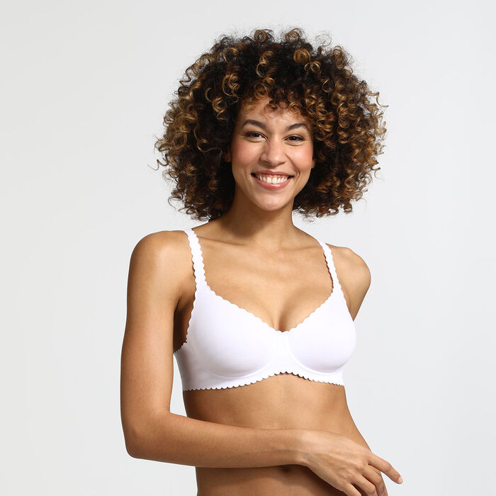 Body Touch Dim Underwired balconette bra in white, , DIM