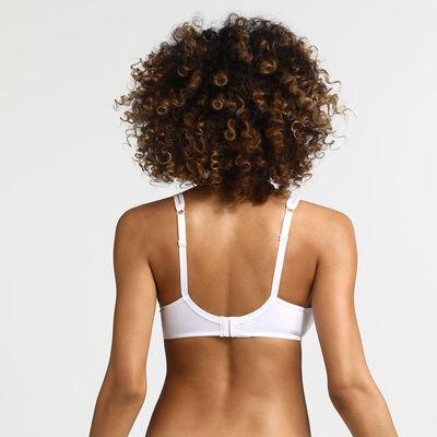 Generous non-wired bra in white, , DIM